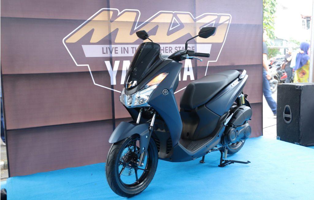 Si Sexy Lexi Hadir Di Yamaha CustoMAXI Semarang